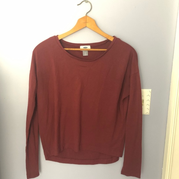 Old Navy Tops - 🌈Burgundy loose-fitting long sleeve top